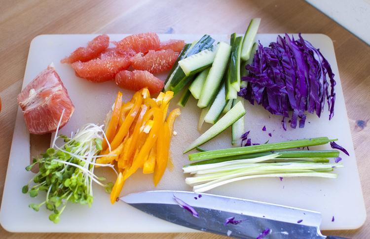 pittige-wasabi-grapefruit-groenten-roll