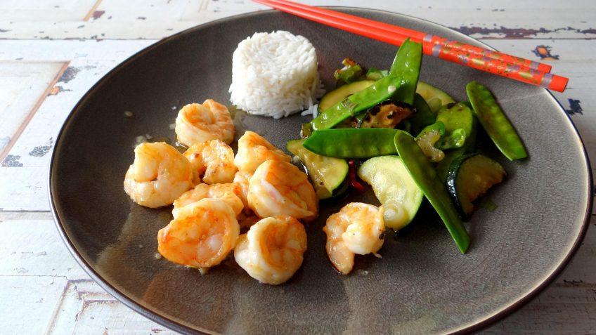 Wasabi garnalen met roerbakgroenten en Basmati rijst