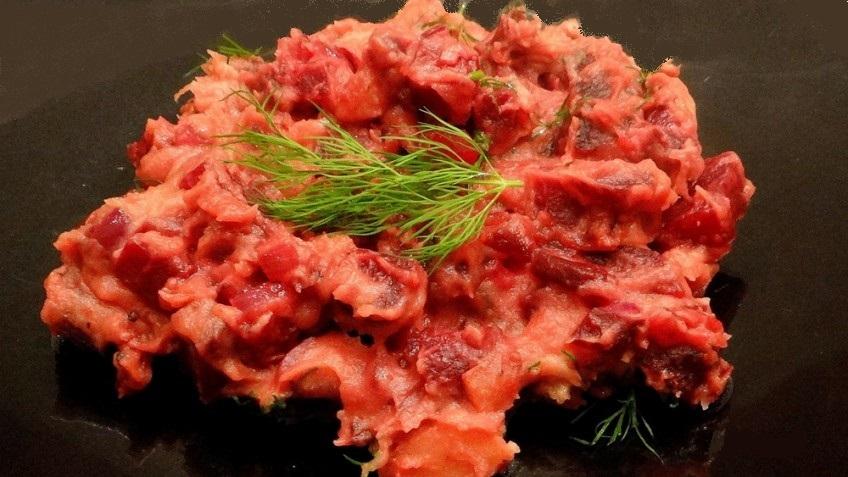 Rode bietenstampot met wasabi en colakruid