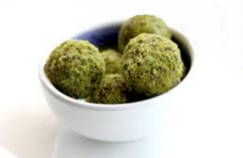 Geitenkaas truffels met Wasabi en pistache