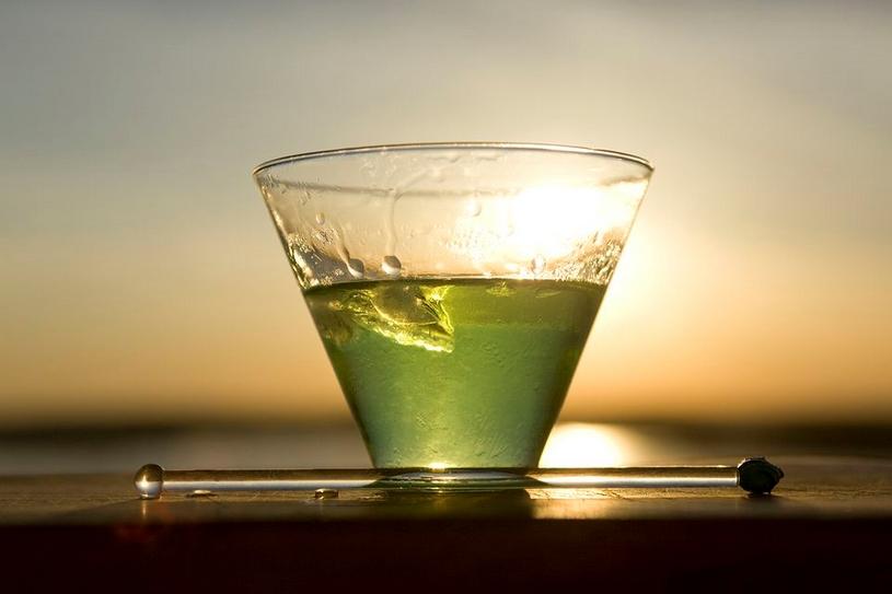 Wasabi komkommer gin cocktail