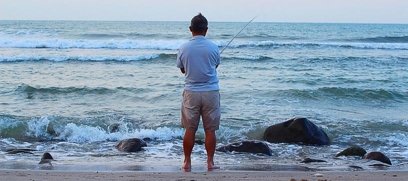 vissen aan de branding geeft je een positief gevoel