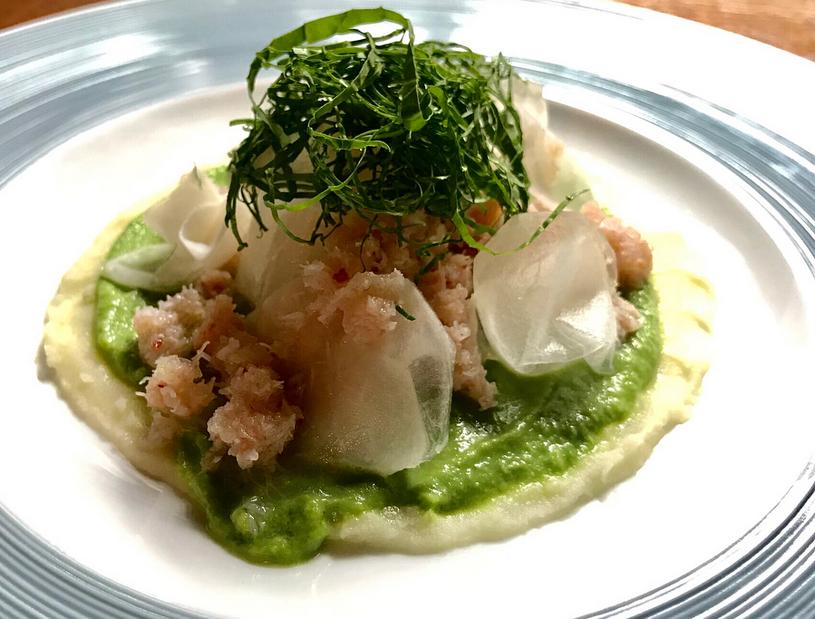 Snow Crab en Wasabi salade met Wasabi blad