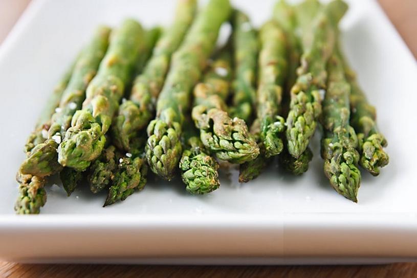 Wasabi-geroosterde asperges