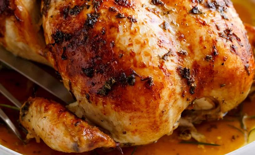 10 handige tips om overgebleven kruiken te gebruiken, kruiden boter onder de huid van de kip