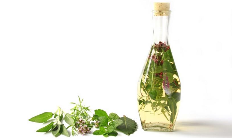 10 handige tips om meer te doen met overgebleven kruiden, kruiden azijn