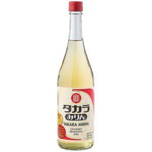 Mirin is het zoete zusje van sake. Een rijstwijn met een lager percentage alcohol en een hoger percentage suiker dan dat sake heeft
