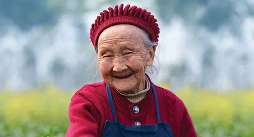 elk mens wordt gelukkiger van een glimlach en een vriendelijk gebaar